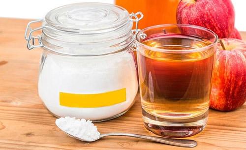 trị hôi nách bằng baking soda và giấm táo
