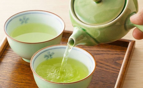 trị hôi nách bằng lá trà xanh